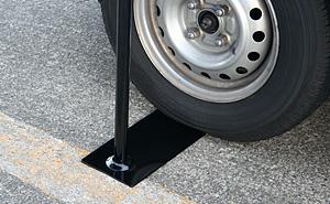 車用(タイヤ踏み込み式)スタンド 使用例2